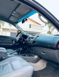Toyota hilux 3.0 impecável