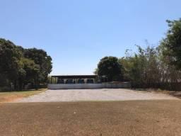 LOCAÇÃO de Area p/ garagem de frota de empresa ou depósito ) de 2.500 m2 na SMPW QUADRA 01