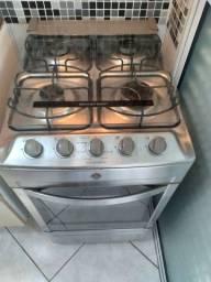 Conjuntos Coifa, fogão 4 bocas é máquina de lavar roupa electrolux Semi Novos.