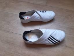 Tênis Adidas tam 36