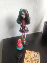 Monster high Skelita aula de artes