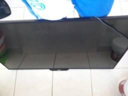 Vendo TV para retirada de peças