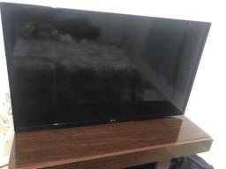 Título do anúncio: TV LG 39 polegadas semi-nova