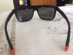 Óculos polaroid semi novo