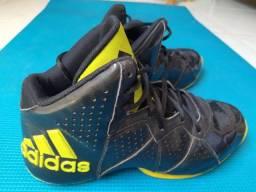 Tênis Adidas (usado)