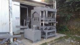 Máquina de blocos e pavers