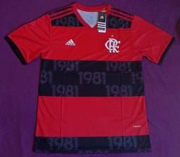 Camisa do Flamengo rubro-negra 2021 (disponível: P e GG)