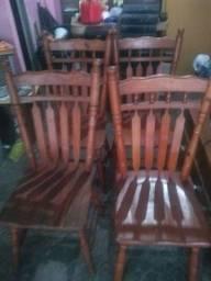 Cadeiras de madeira boa