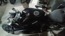Sucata de moto para retirada de peças Ducati 848 2010