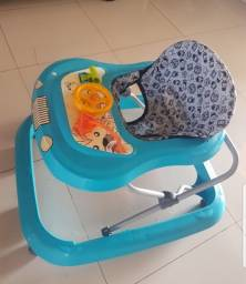 Título do anúncio: Andador  Tutti baby com poucas marcas de uso