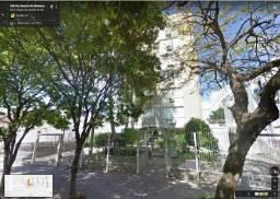 Aluga-se apartamento grande e bem localizado próxmo ao carrefour Passo da Areia