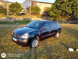 Renault Clio sedan 1.0/16V.2004
