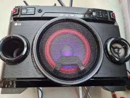 Som LG XBoom OM4560  - Blutooth, USB, CD/MP3, Rádio, Microfone, Karaoke, Auxiliar
