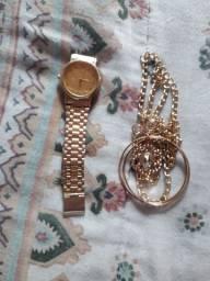 Relógio é colar
