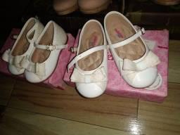 Sapatos infantis usados