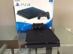 Título do anúncio: Playstation 4 - PS4 Slim Preto - 1 TB