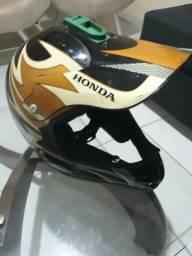 Vendo e devido no cartão capacete XRE 300