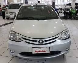 Toyota Etios / Parcelado - 2014
