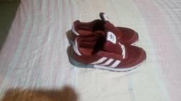 Desapego de Ténis Adidas Vermelho apenas 75 reais