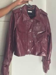 Vende -se essa jaqueta