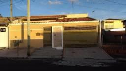 Casa residencial à venda, Jardim Paraíso II, Botucatu.