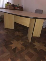 Mesa para escritório/reuniões