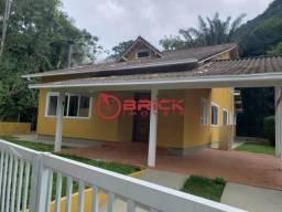 Exclusiva casa no Comary com 3 quartos sendo 3 suítes, Teresópolis/RJ
