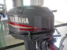 Motor de popa 25hp Yamaha 2007 conservado por 15hp *