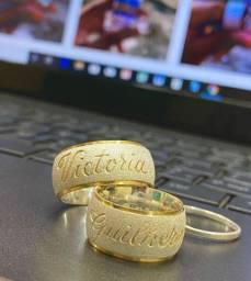 Par de Aliança em Prata Banhado a ouro com 5 gramas cada