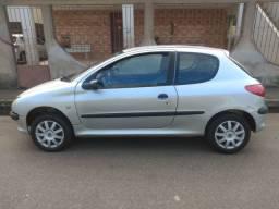 Peugeot 206 2002 1.0 16v Completo doc ok! Vendo troco parcelo cartão