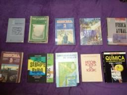Livros escolares e para concursos regionais
