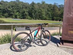 Mountain bike caloi explorer expert 2019