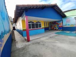 Casa de esquina,murada,dois pavimentos.Para fins comerciais e/ou residêncial. Praia Costa