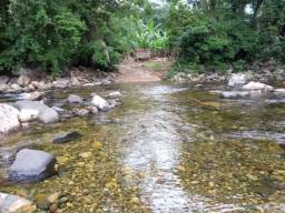 Terreno com frente para o rio Marumbi medindo dez mil metros