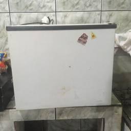 Vendo este frigobar 300$