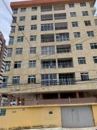 Vende apartamento próximo a Av. Antônio Sales