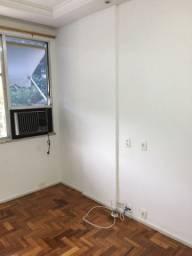 Vendo Urgente Apt 3Q, garagem, Botafogo, Rua Barão de Itambi, RS 900000,00.