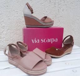 Sandálias Anabela Via Scarpa e bota feminina