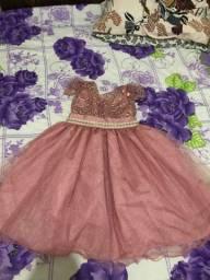 Vestido infantil .