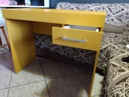 Mesa para computador.