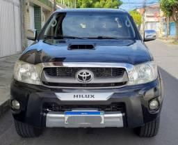 Hilux srv aut. 2011 pneus zero. Troco