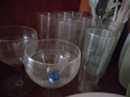 Taças em cristal e canecas antigas