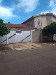 Sobrado 4 quartos(2 suítes), terreno 360m², área coberta 220m², Caiçara. Financiável