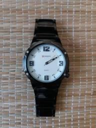 Relógio Curren Preto Fundo Branco