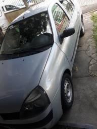 Carro Clio impecável