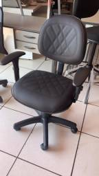 Cadeira executiva giratória