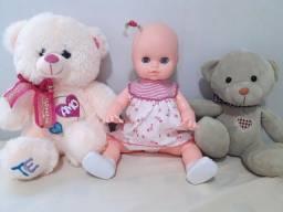 Lote de boneca e ursinhos