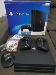 Playstation 4 PRO 1TB 2 controles (novissimo)