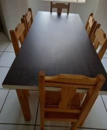 Mesa de madeira  6 cadeiras semi nova entrego se precisar