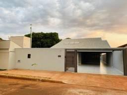 Título do anúncio: Casa para venda possui 180 metros quadrados com 3 suítes em Bairro Seminário - Campo Grand